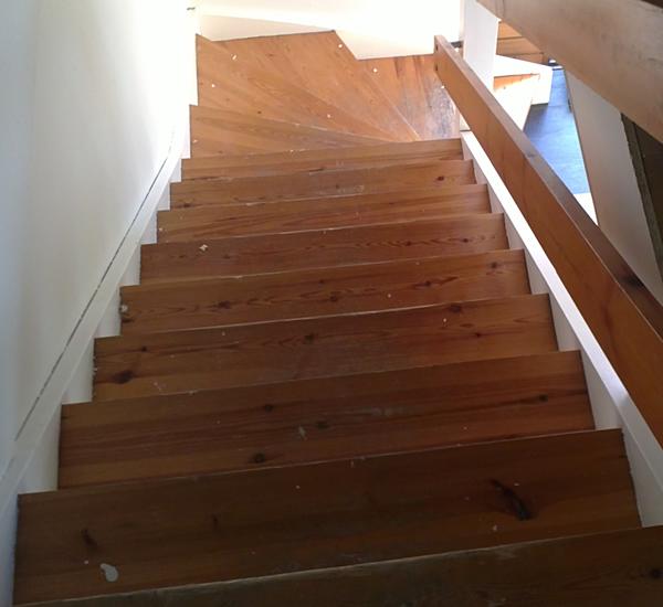 afslibning af trappe