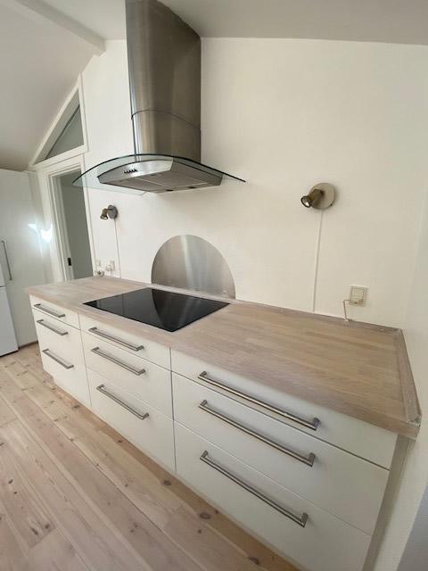 Køkkenbordplade efter afslibning og olie